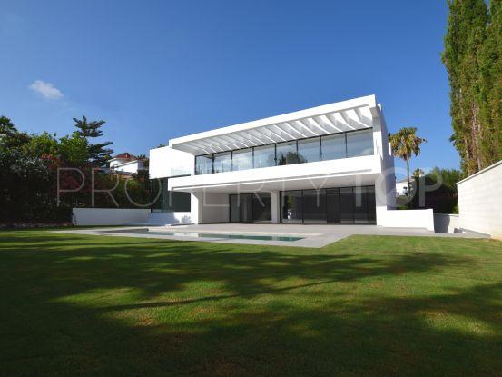 Zona F 4 bedrooms villa | Holmes Property Sales