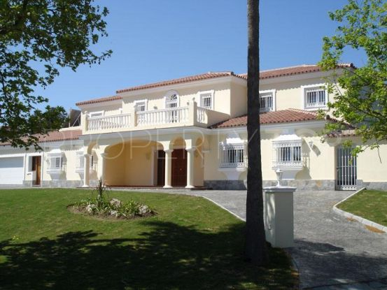 Villa for sale in Kings & Queens with 4 bedrooms | Holmes Property Sales