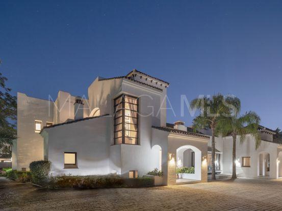 For sale villa in Guadalmina Baja with 5 bedrooms | Benarroch Real Estate