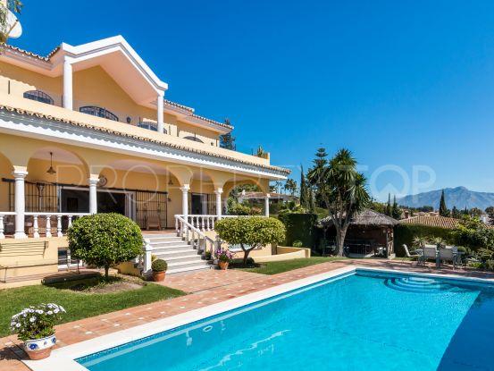For sale 5 bedrooms villa in El Paraiso, Estepona | Benarroch Real Estate