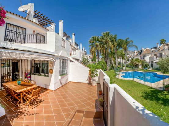For sale town house in Los Naranjos, Nueva Andalucia | Nvoga Marbella Realty