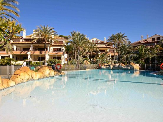 For sale apartment with 3 bedrooms in Los Monteros Playa, Marbella East | Nvoga Marbella Realty