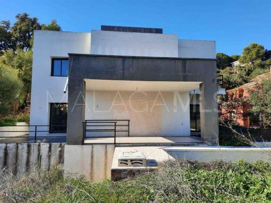 Chalet en venta de 4 dormitorios en Elviria, Marbella Este   Cosmopolitan Properties