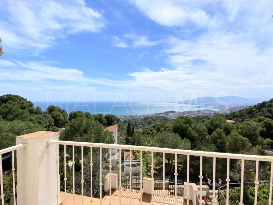 Buy Pinares de San Antón house | Cosmopolitan Properties