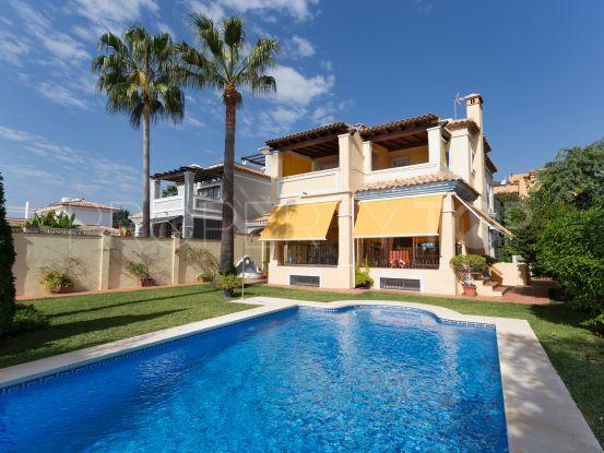 Villa for sale in Marbella Centro with 4 bedrooms | Cosmopolitan Properties