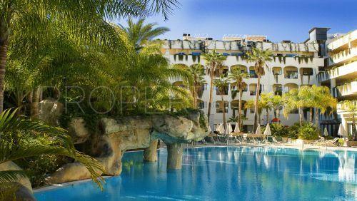 For sale apartment in Marbella Golden Mile | Cosmopolitan Properties