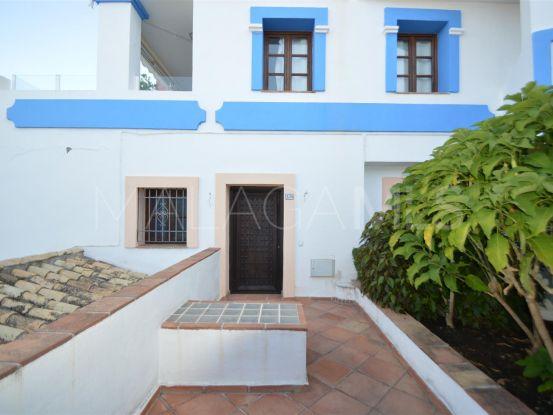 Casa a la venta en Benahavis de 3 dormitorios   Cosmopolitan Properties