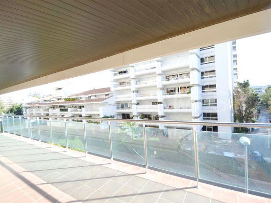 For sale apartment in Residencial Palacio de Congresos, Marbella Golden Mile | Cosmopolitan Properties