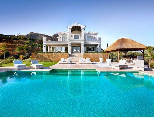Villa a la venta en Marbella Club Golf Resort de 5 dormitorios | Inmobiliaria Luz