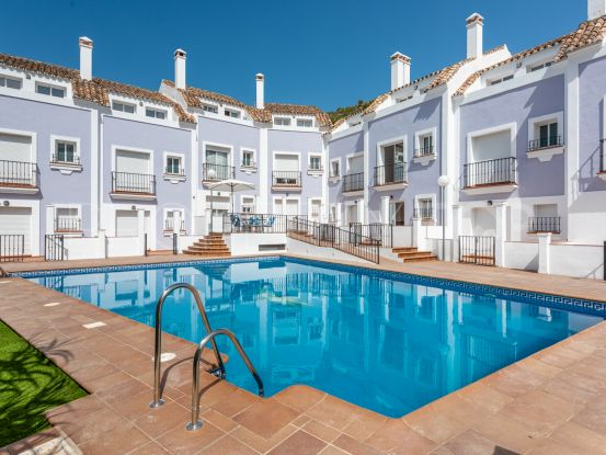 For sale 3 bedrooms town house in Benahavis Centro | Inmobiliaria Luz