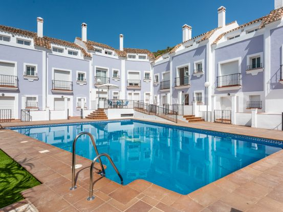 3 bedrooms Benahavis Centro town house for sale | Inmobiliaria Luz