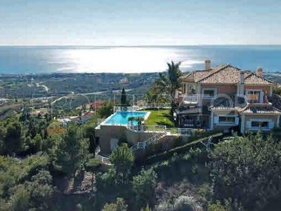 Villa for sale in Los Monteros | Inmobiliaria Luz