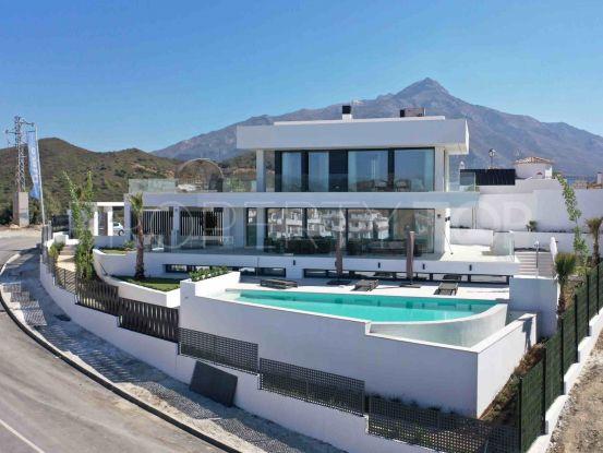 Nueva Andalucia 4 bedrooms villa for sale | Inmobiliaria Luz