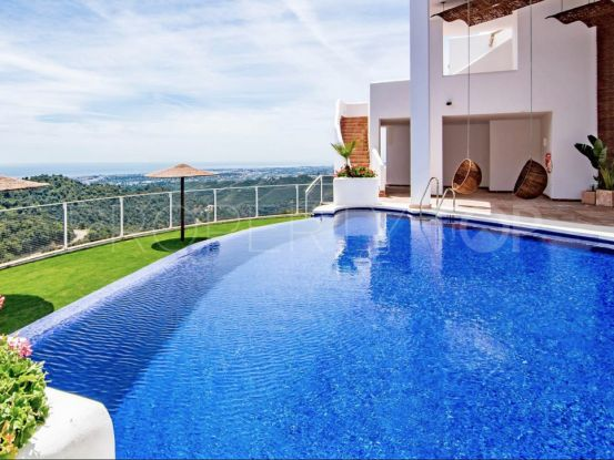 For sale town house with 3 bedrooms in Sierra Blanca Country Club, Istan   Inmobiliaria Luz