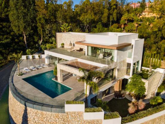 Se vende villa en El Herrojo, Benahavis | Terra Realty