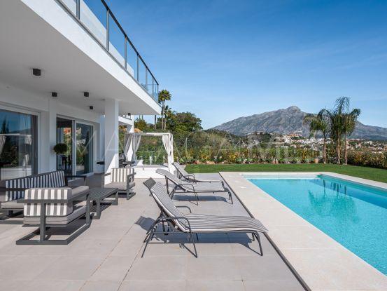 Villa en venta con 4 dormitorios en La Quinta, Benahavis   Terra Realty