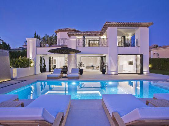 For sale Nueva Andalucia villa with 5 bedrooms | Terra Realty