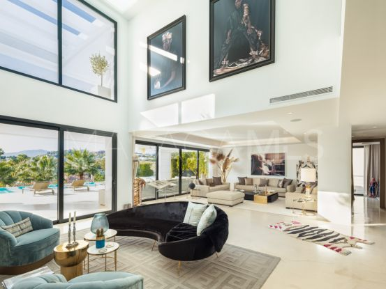 For sale villa with 7 bedrooms in Los Olivos, Nueva Andalucia | Terra Realty