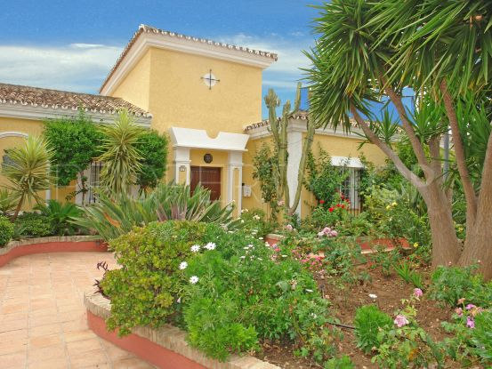 For sale Nueva Andalucia 4 bedrooms villa | Amrein Fischer