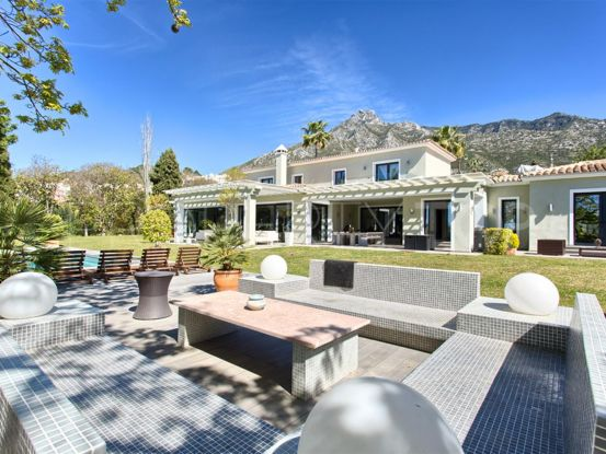 For sale villa in Marbella Hill Club with 7 bedrooms | Amrein Fischer