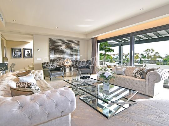 Impeccable villa with sea views within a gated complex in the Marbella Golden Mile