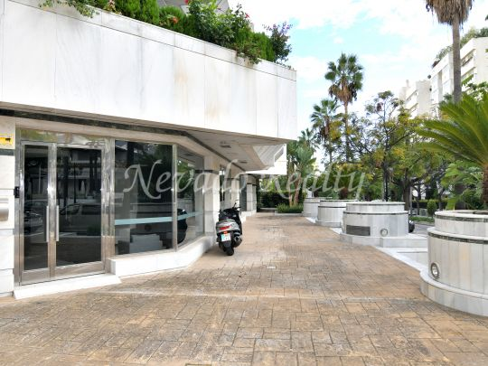 Great commercial premises for sale in Marbella, one step away from everything