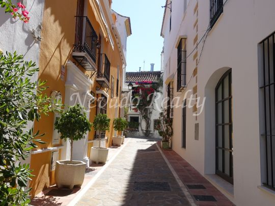 Building for sale in the centre of Marbella ideal as an investment