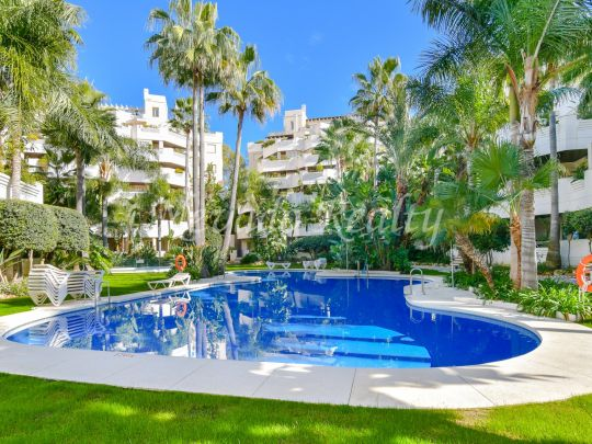Apartment for sale in Fuente Aloha, Nueva Andalucia