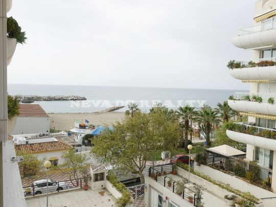 Apartment for sale in front line beach in the heart of Marbella