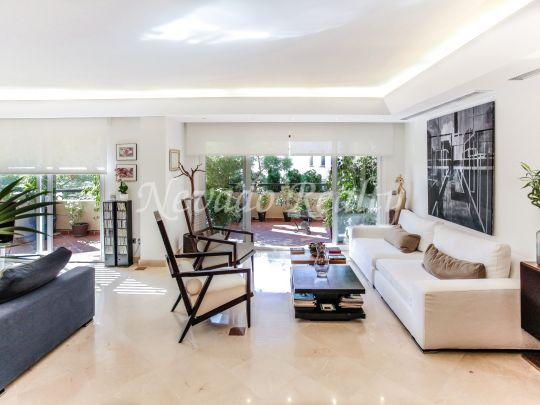 Penthouse for sale with sea views on the Golden Mile of Marbella