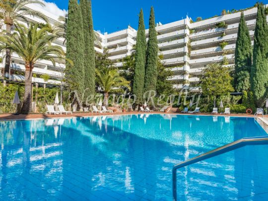 Fully refurbished apartment close to the beach in a well-knonwn residential area of Marbella