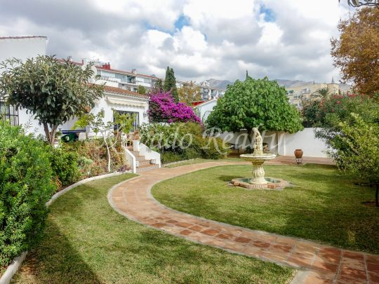 All in one level villa for sale just a step from the center of Marbella