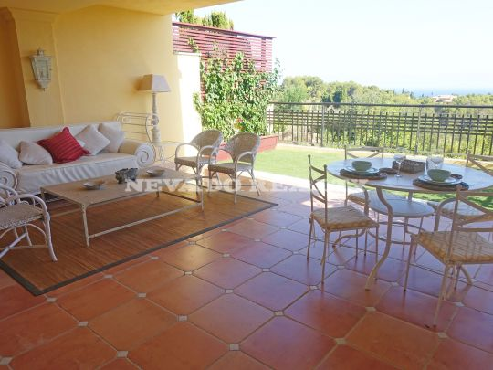 Exquisite Ground Floor Apartment for long term rental in Condado de Sierra Blanca, Marbella