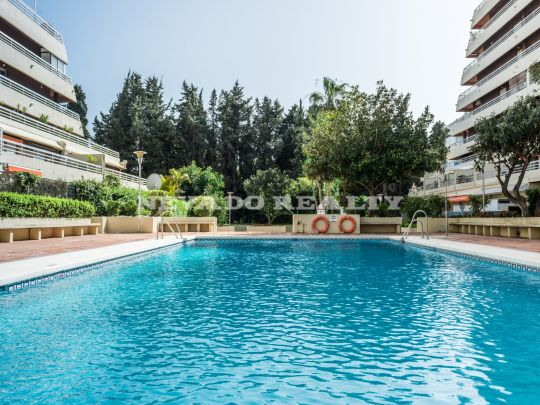 Fully refurbished beach side apartment in Marbella center