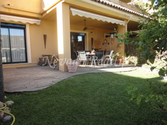 Town House for rent in El Tomillar de Nagüeles, Marbella
