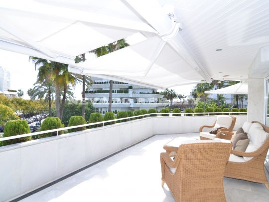 Spectacular refurbished apartment a few meters away from the beach in Marbella