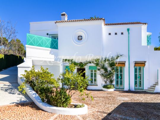 Ideal family villa for sale in the heart of the Marbella Golden Mile