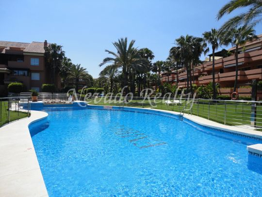 Apartment within walking distance from the beach and Puerto Banus