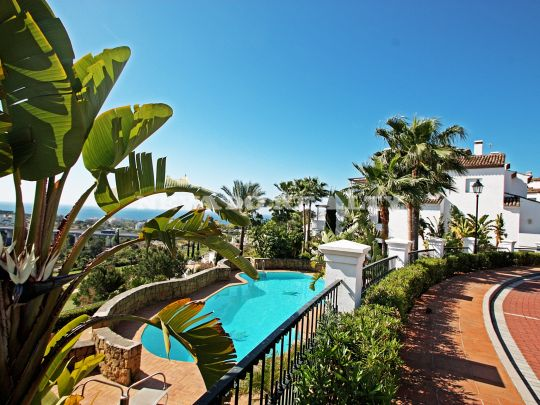 Magnificent apartment situated in the prestigious complex of Monte Paraiso on Marbella's Golden Mile.