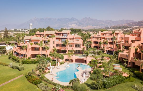 Premium Front line Beach Penthouse in La Morera, Los Monteros, Marbella