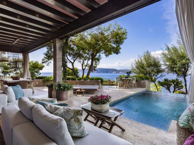 Gorgeous Mallorcan villa overlooking Santa Ponsa Bay