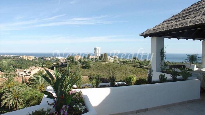 Spacious penthouse situated at the east side of Marbella.