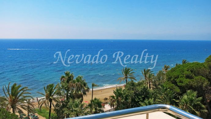 Apartment situated in the famous building Gran Marbella, in a first line beach complex in Marbella centre.