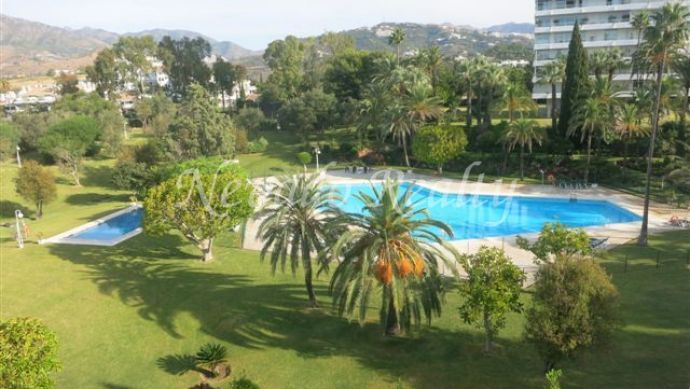 Nice duplex penthouse located in Marbella east.