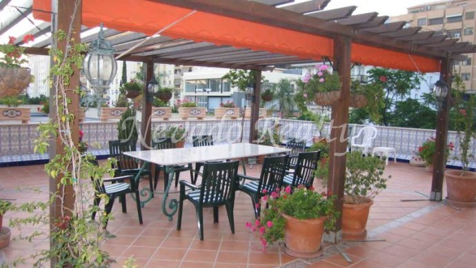 Apartment for sale in Marbella center. Magnificent terrace
