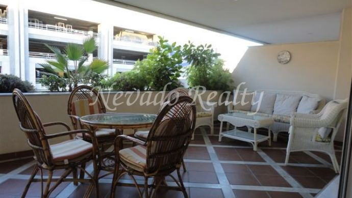 Fantastic apartment, east facing, located in Puerto Banus.