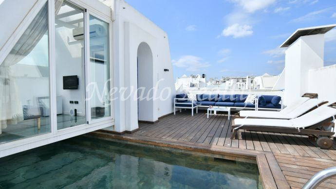Penthouse for sale completely renovated next to the beach
