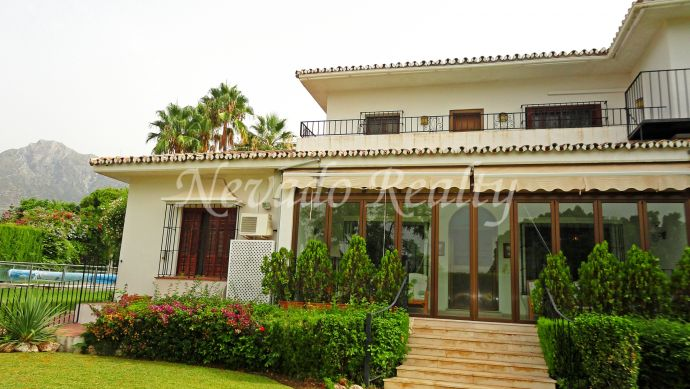 Charming and spacious villa at La Merced