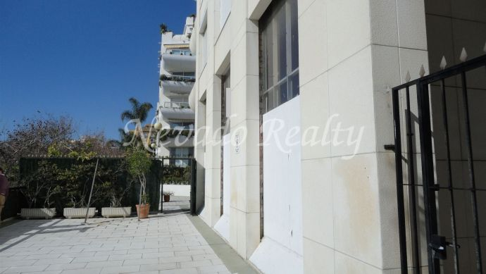 Frontline beach commercial premises in Marbella center