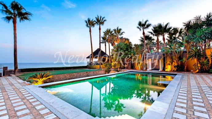 Frontline beach villa for sale in Los Monteros